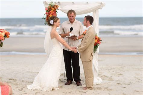 Hilton at Kingston Plantation wedding with a ceremony on