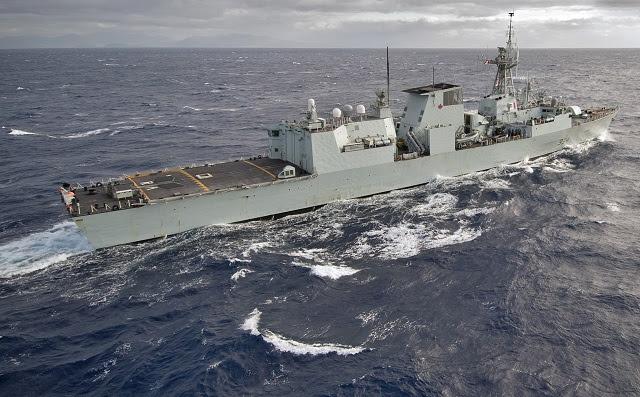 Las 12 fragatas clase Halifax, encargado entre 1992 y 1995, forman la columna vertebral de la Royal Canadian Navy. Los barcos fueron diseñados originalmente para llevar a cabo las misiones de la Guerra Fría de la guerra antisubmarina y guerra contra buques de superficie, principalmente en el entorno de mar abierto.