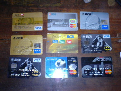 deretan-kartu-kredit