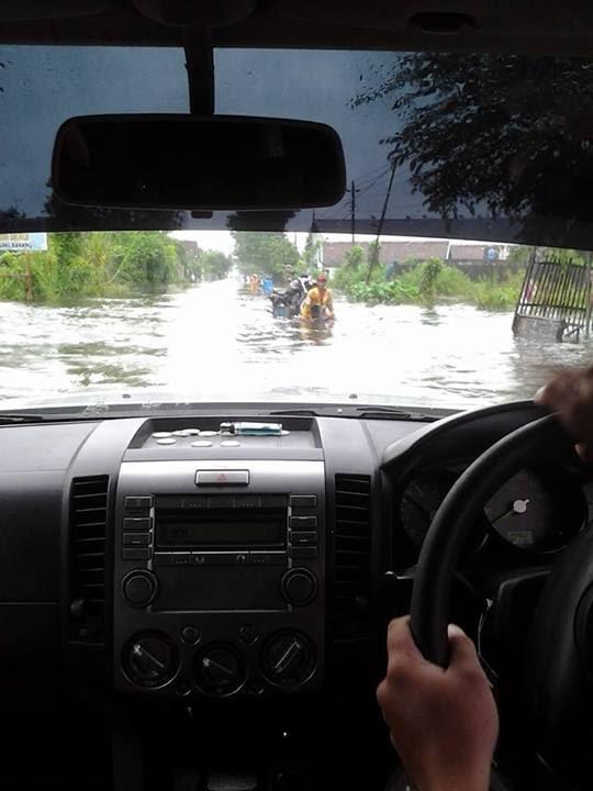 Menerobos Banjir