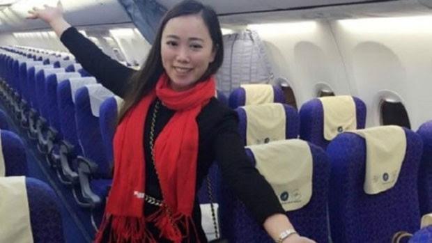 Zhang recebeu tratamento de estrela ao pegar um voo para Guangzhou, na China  (Foto: Weibo Miffyscat)