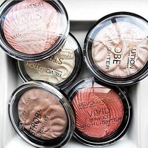 Makeup revolution highlight to the moon