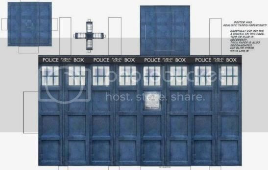 photo dr.who.realistic.tardis.papercraft.001_zps825fn59h.jpg