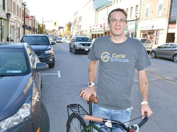 Simcoe County cyclists laud proposed 'move-over' law