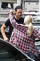 julianne hough kisses brooks laich goodbye at the airport 02
