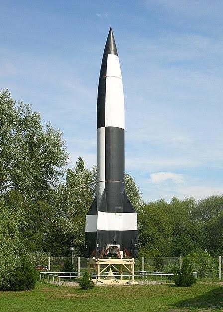 File:Fusée V2.jpg