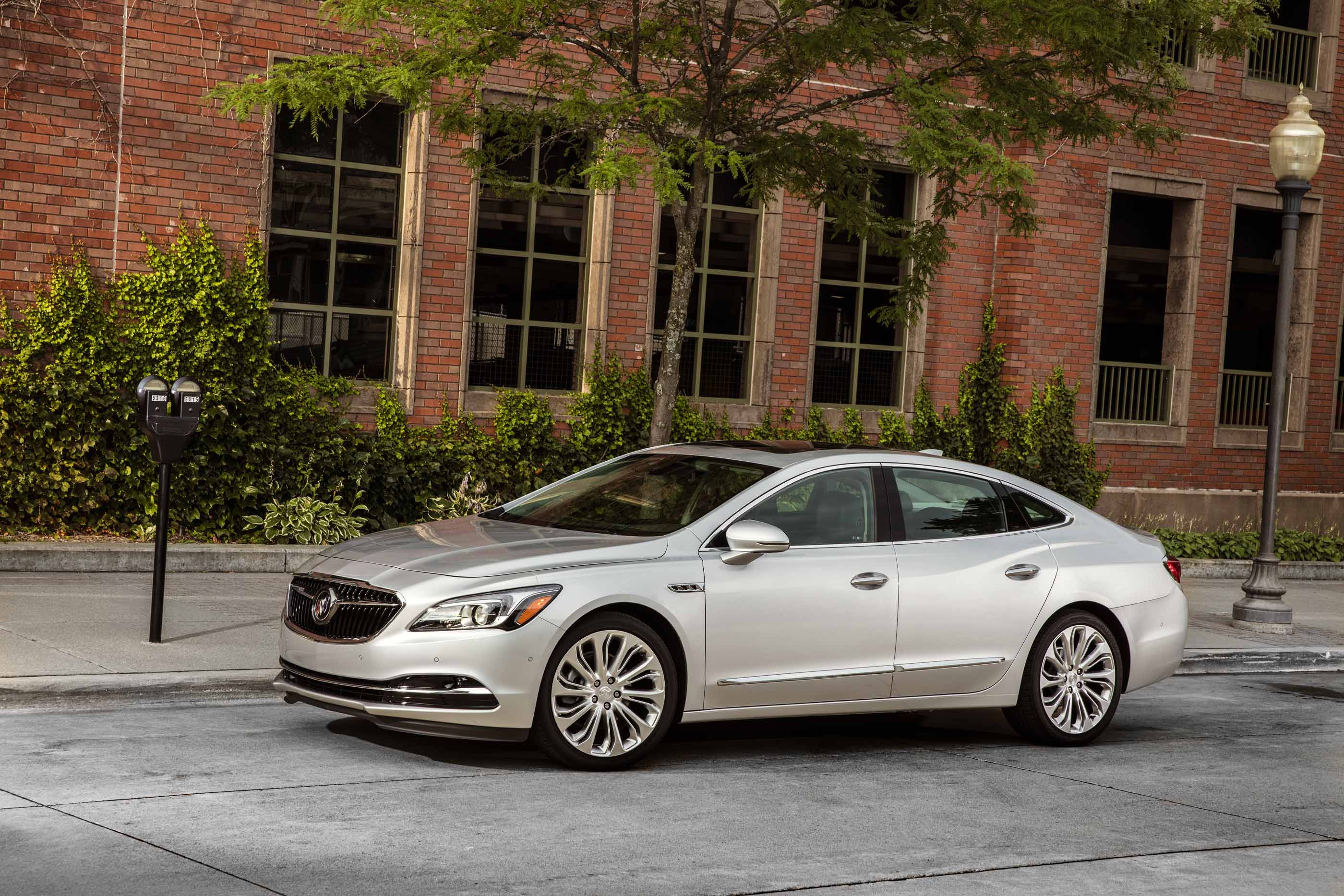 2017 Buick Lacrosse Safety Review and Crash Test Ratings ...