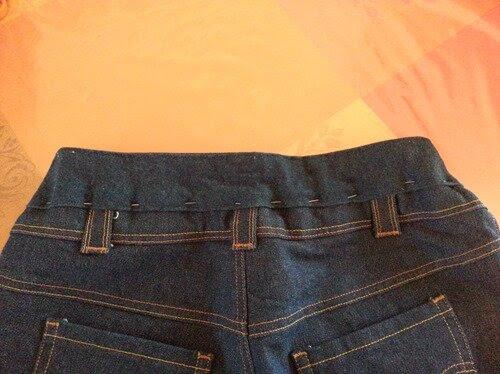 aqui está o que você pode fazer para melhorar a cintura baixa dos jeans