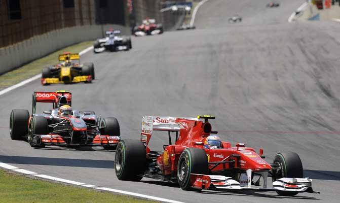 Alonso pelea por el título 2010