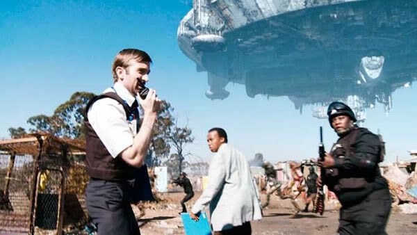A Multi-National United (MNU) security force, led by Wikus Van De Merwe (Sharlto Copley), prepares to evict 1 million space aliens from DISTRICT 9.