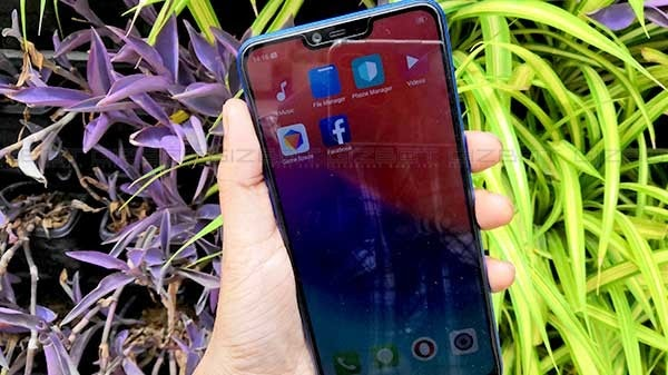 Realme 2 first impressions: Notched display and bigger battery are the key highlights