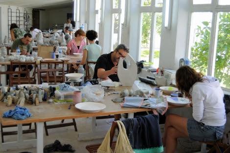 El taller se desarrolla en la localidad coruñesa de Sada. | Sargadelos