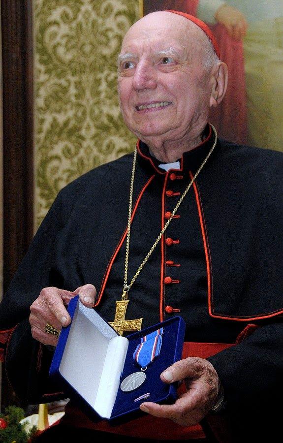 http://www.mzv.cz/public/a7/75/c5/426995_279794_kardinal_Spidlik_s_medaili.jpg
