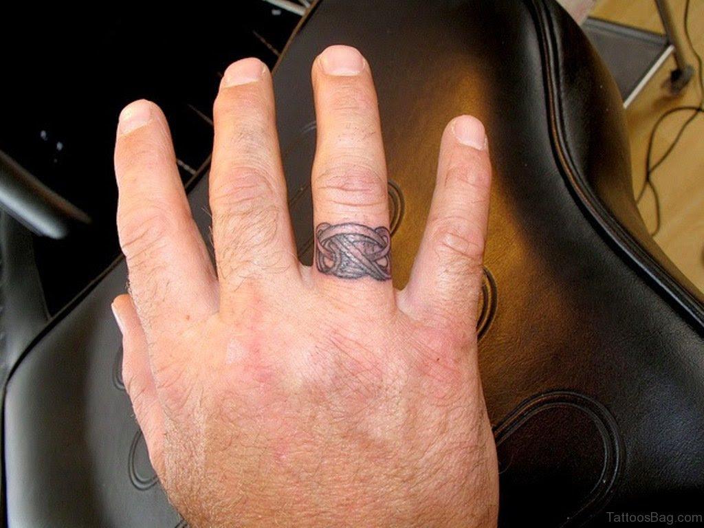 43 Best Finger Tattoos For Couples