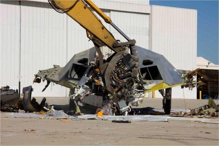 Disposal of Lockheed Martin F-117 Nighthawk (3)