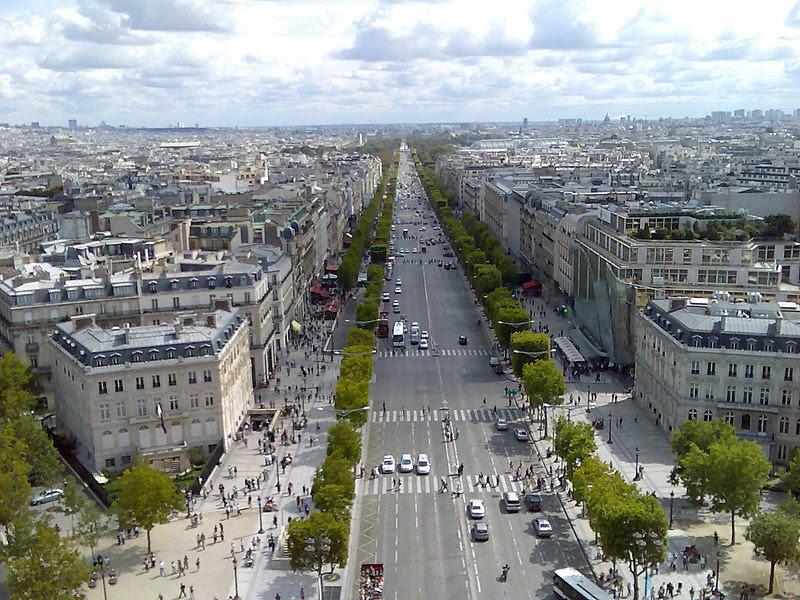 ملف:Champs Elysees, Paris.jpg