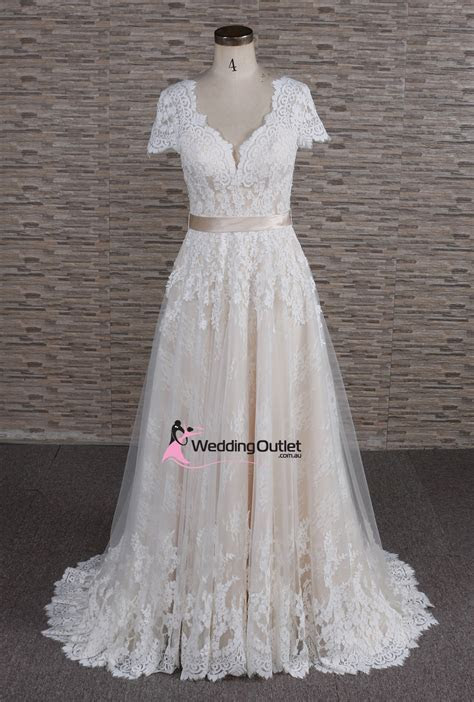Amalfi Boho Vintage Beach Lace Wedding Dress
