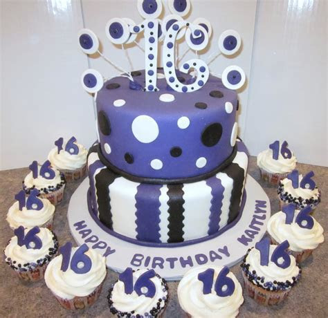 My cakes and treats: Teen B day Cakes