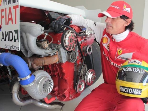 Jonas construiu Ferrari em sete anos de trabalho (Foto: Wing Costa/ Gazeta Online)