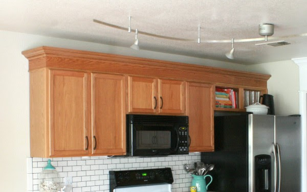 Remodelaholic | How to DIY a Custom Range Hood for Under $50