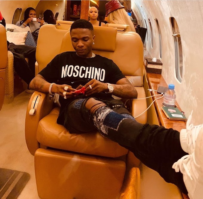 Starboy, Wizkid allegedly trashes statue of himself that was presented to him by a fan