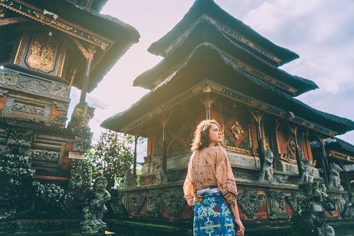 Penulisan Riset Arsitektur Bali dan Toba