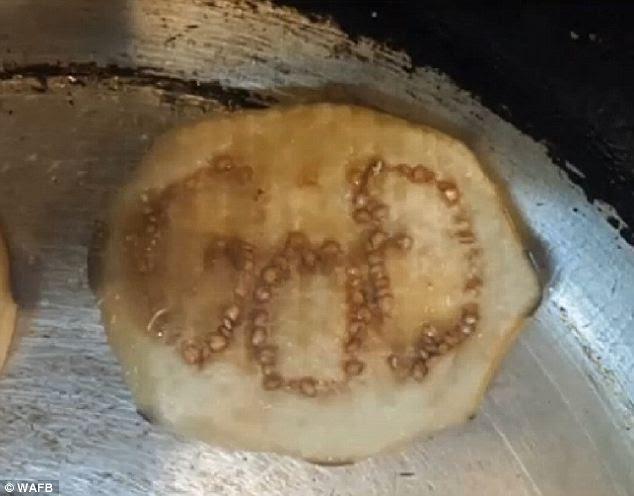 Innegabile: Una linea cuoco Louisiana fatto questa scoperta miracolosa mentre affettare le melanzane in un ristorante di Baton Rouge
