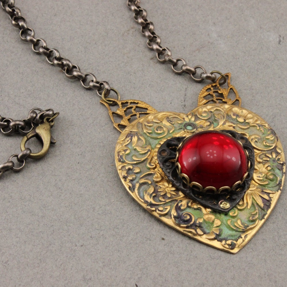 Heart Necklace in Brass and Czech Glass - oscarcrow