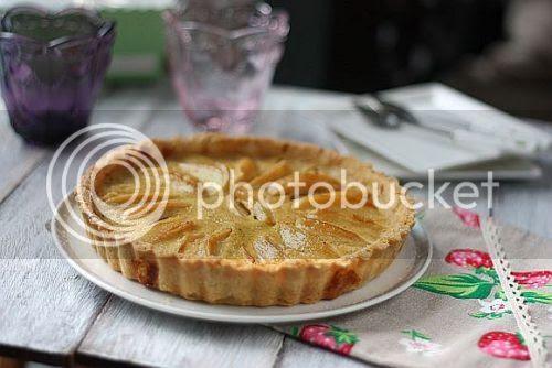 apple custard 1