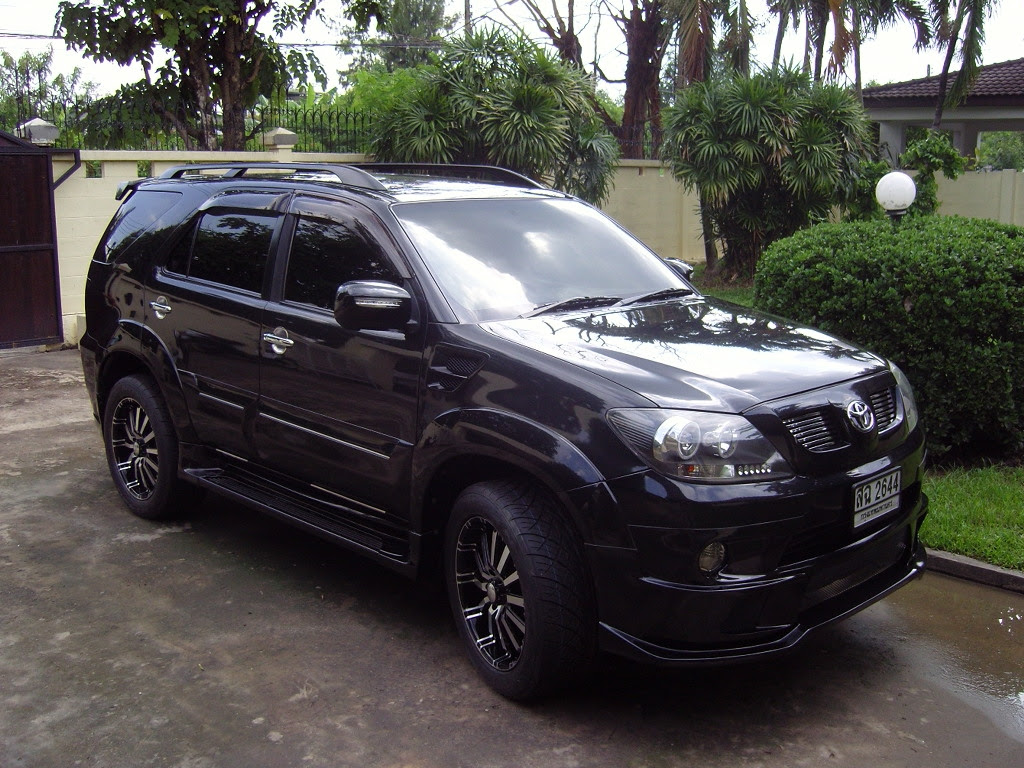 chris1967 s 2005 Toyota Fortuner  in Bangkok