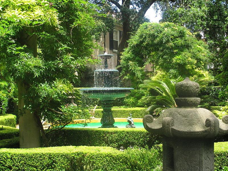 File:Residential garden in Charleston, SC IMG 4644.JPG