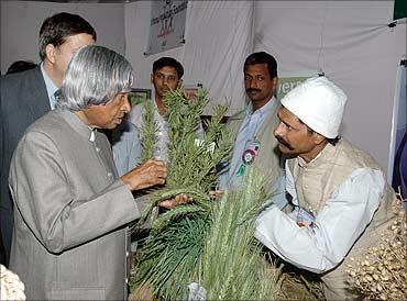 Former President Abdul Kalam talks to Prakash Singh.