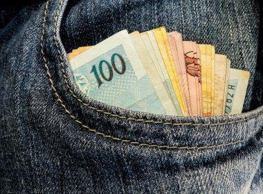 Salário mínimo passará a ser de R$ 979 em 2018; diferença é de R$ 42