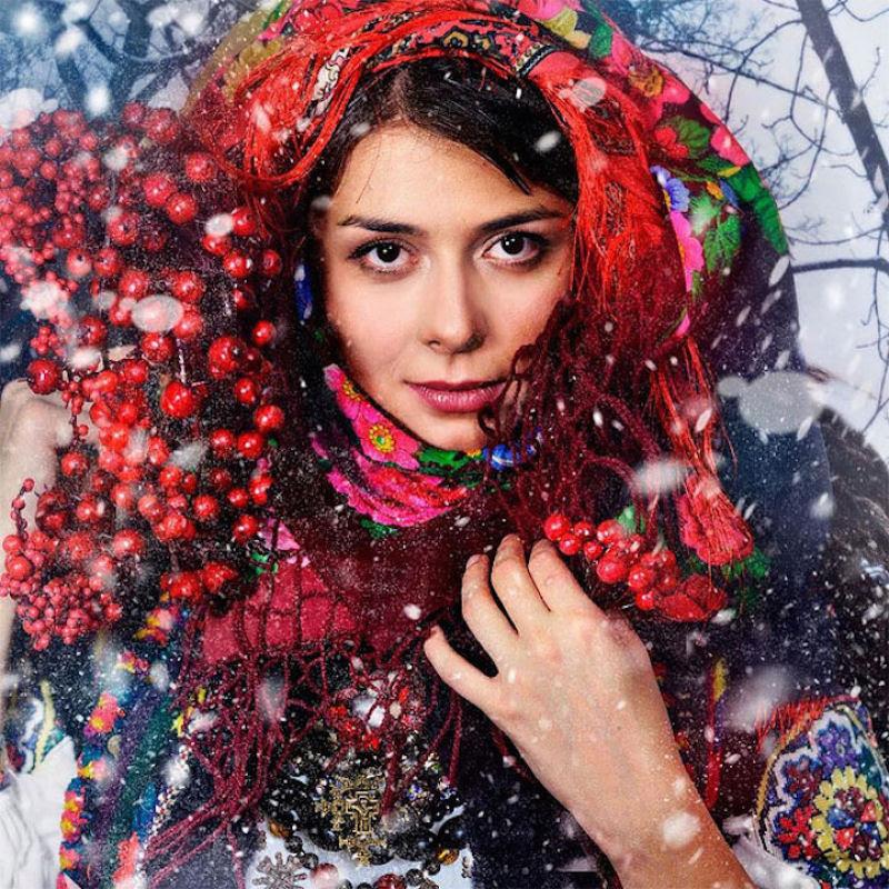 Mulheres modernas usando coroas tradicionais ucranianas dão um novo significado a uma antiga tradição 20