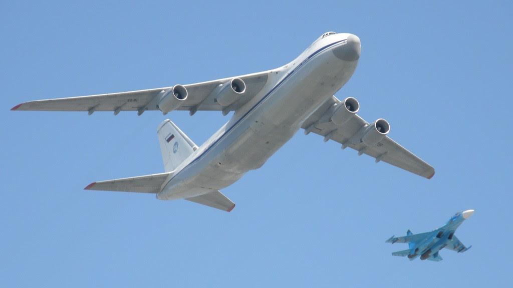 http://cdn.timesofisrael.com/uploads/2015/09/Antonov_An-124_-RUSLAN-_Sukhoi_Su-27_4258534765-e1442286961397.jpg