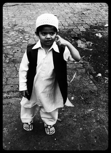 Sach Puchiye Toh Eid Bacchon Ki Hoti Hai,.. by firoze shakir photographerno1