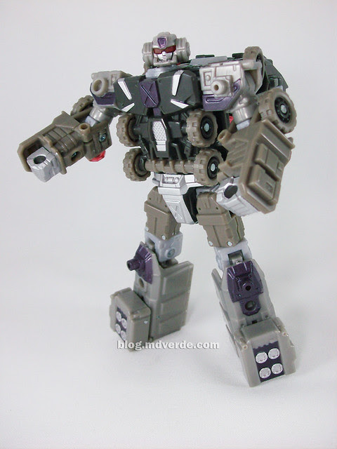 Transformers Onslaught Universe Deluxe - modo robot