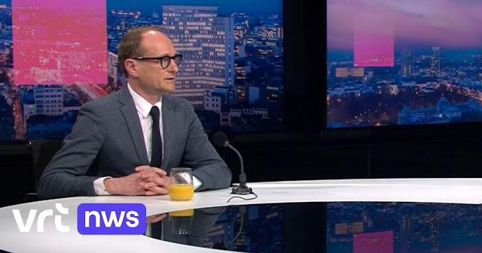 """Stemcoach wijst minister Ben Weyts terecht: """"Drink geen sinaasappelsap in een tv-studio"""""""