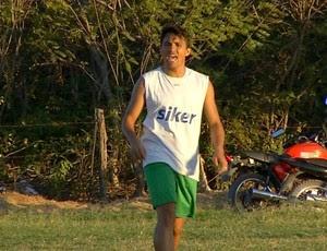 Márcio Mossoró treina com elenco do Baraúnas (Foto: Reprodução/Inter TV Cabugi)