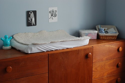 Montessori ici the best way to be free of clutter for Best way to get rid of clutter