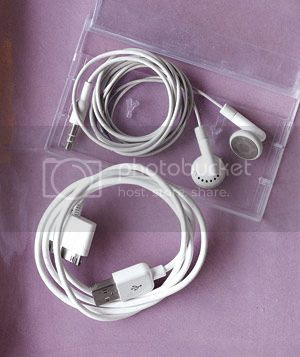 photo ipod-accessories_300_zps0c0d174c.jpg