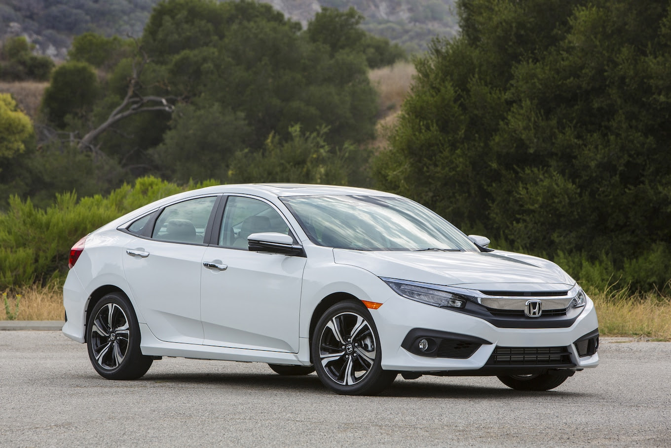 2016 Honda Civic: 10 New Tech Niblets - Motor Trend