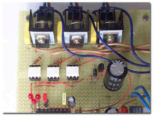 220V-moc3020-bt137