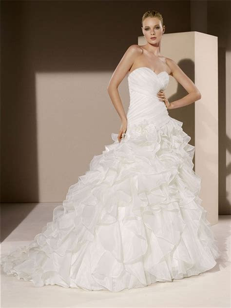 Simple Romantic Ball Gown Strapless Sweetheart Organza