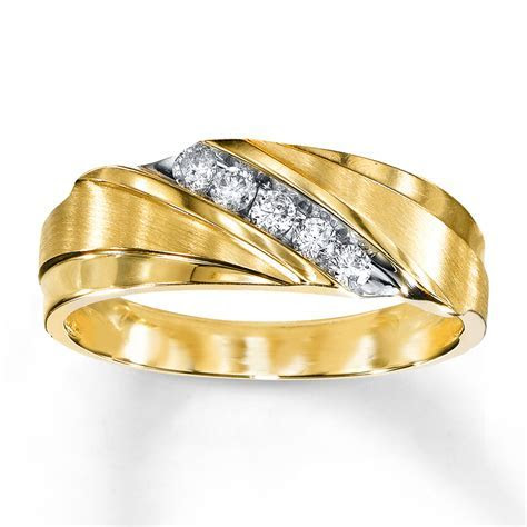 Men's Wedding Band 1/4 ct tw Diamonds 10K Yellow Gold
