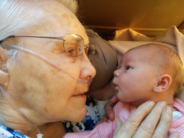 #2 Biri 92 yaşında diğeri ise 2 günlük (oldukça anlamlı)