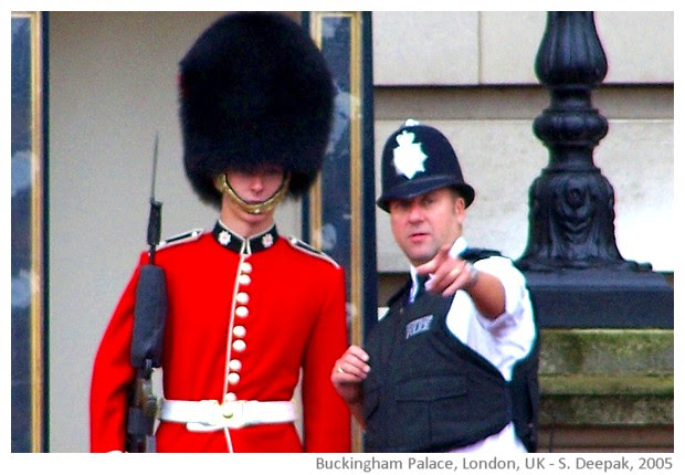 Around Buckingham Palace, London UK - images by Sunil Deepak, 2005