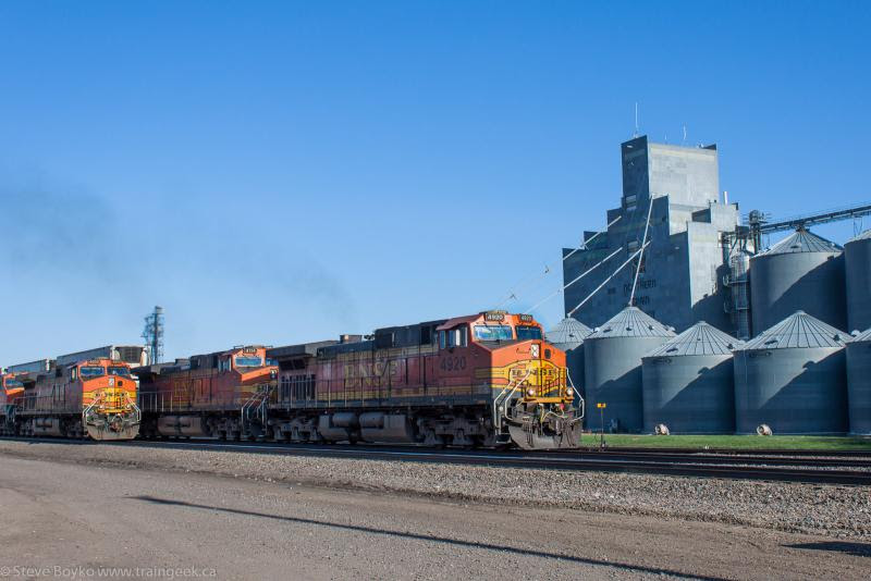 BNSF 4920 BNSF 4114 BNSF 4852 in Dilworth