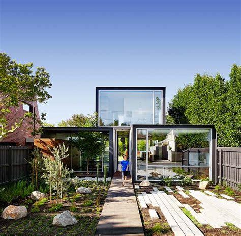 maison conteneur de design moderne piscine hors sol