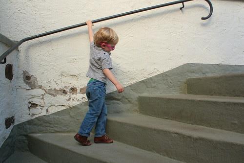 mannetje op de trap